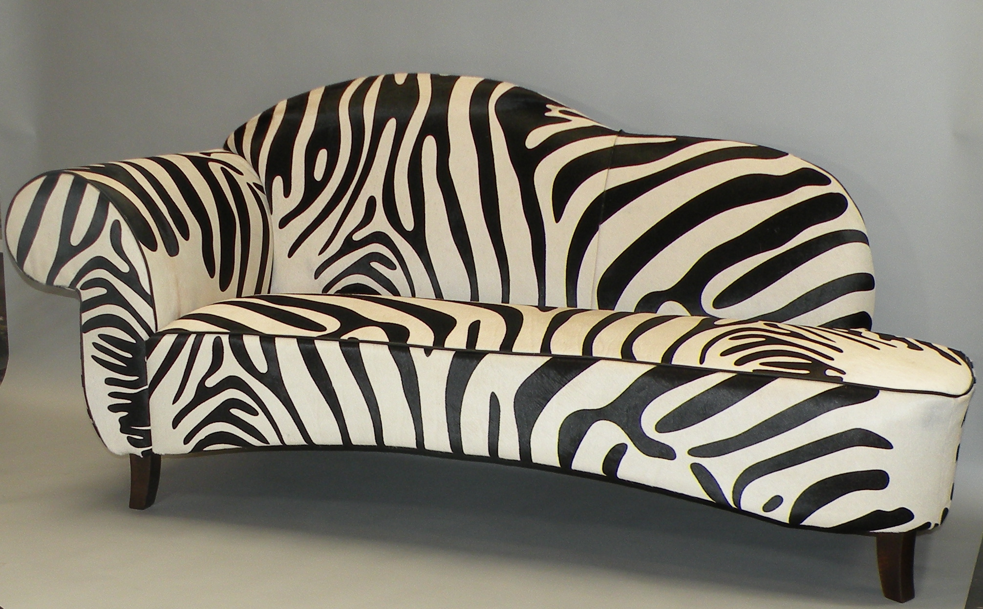 Unique zebra sofa marmsweb marmsweb for Zebra sectional sofa