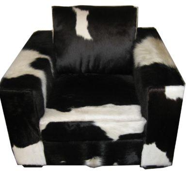 Fauteuil vierkant koeienvel zwart wit