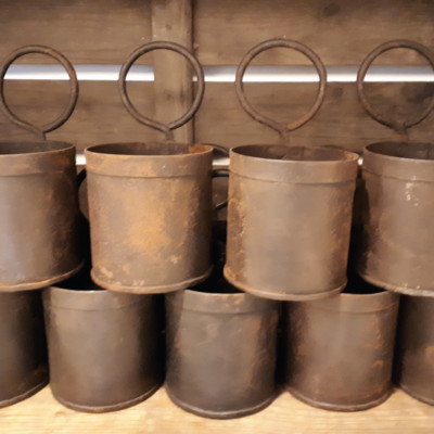 Vintage metalen planten bakjes
